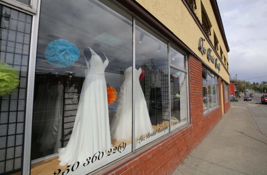 Luz Bridal Boutique store window.